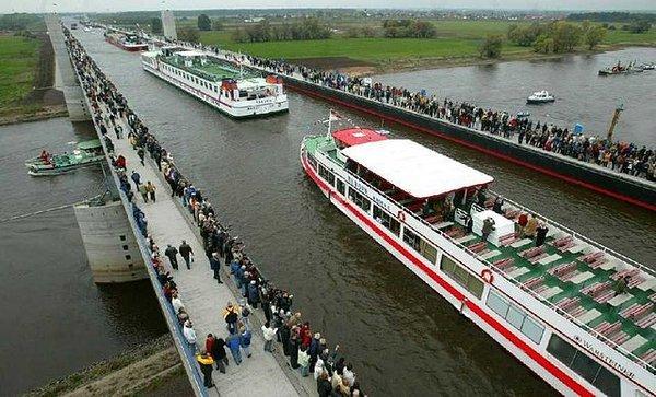 L'indépendance, c'est comme un pont... dans Citations, proverbes... magdeburg-water-bridge-magdeburg-allemagne