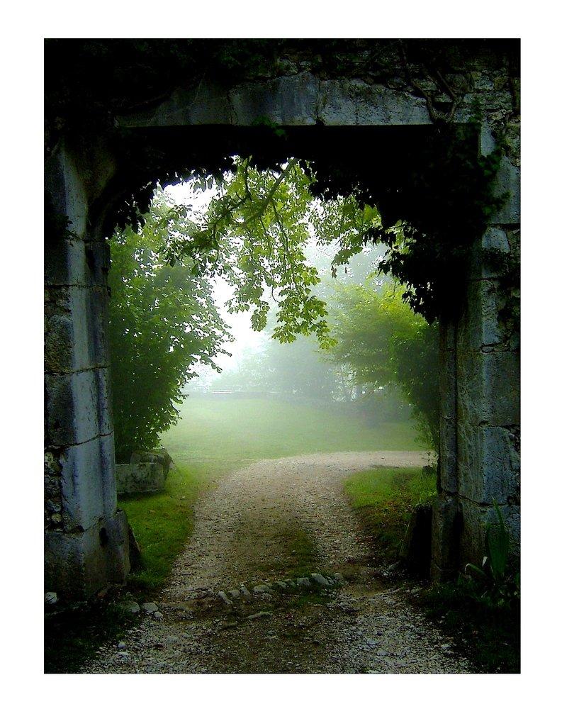 L'inconnu est autour de nous ... dans Citations, proverbes... Ce-petit-chemin-a23288676