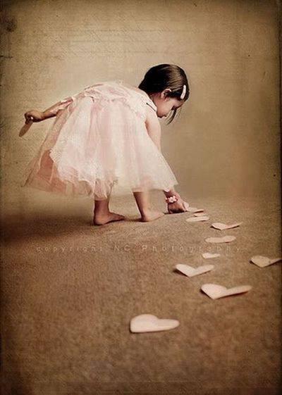 Ne suivez pas le chemin qui ... dans Citations, proverbes... 1003152_568869423176966_530064316_n